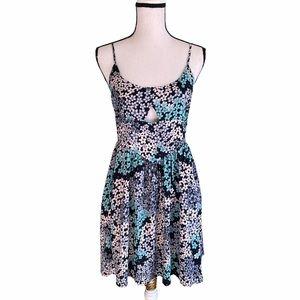 NWT Somedays Lovin Floral Dress. Size Medium